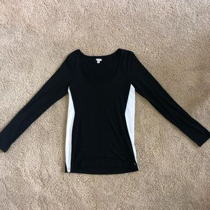 GUESS medium black and white long sleeve shirt